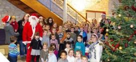 Des surprises pour les enfants d'Arc en Ciel