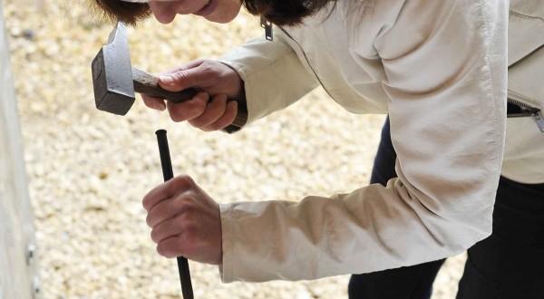 ATELIERS CREATIFS DE l'ETE VITRAIL – EMAIL – SCULPTURE – GRAVURE – POTERIE – DECORATION – FORGE