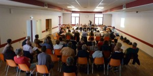 un-public-nombreux-lors-du-conseil-communautaire